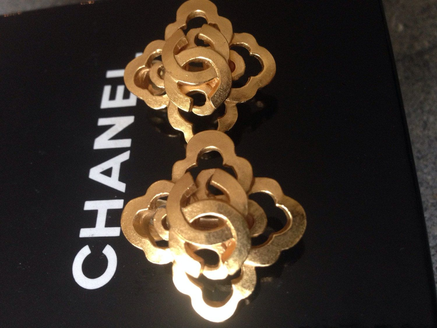 Auth Chanel yellow gold plate CC vintage stud clip on earrings  by NUKOBRANDS on Etsy