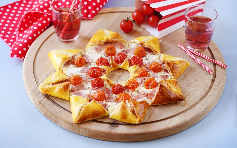 Une pizza étoile c'est amusant et c'est aussi très bon avec Paysan Breton. Du bon Fromage Fouetté Madame Loïk et du forme ludique : quel régal !