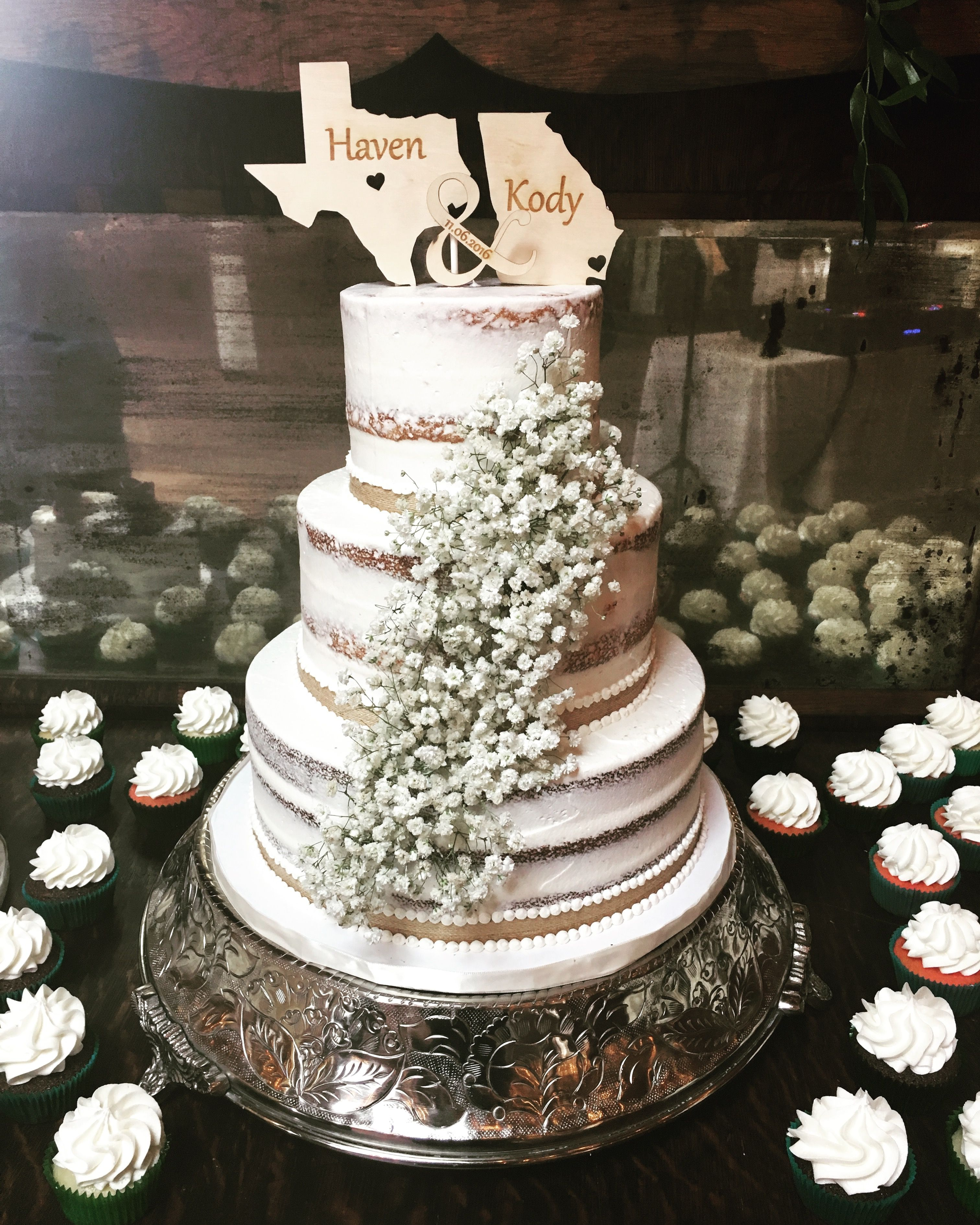 Rustic Wedding Cakes: Rustic Wedding. Naked Cake With Baby's Breath. Cupcake