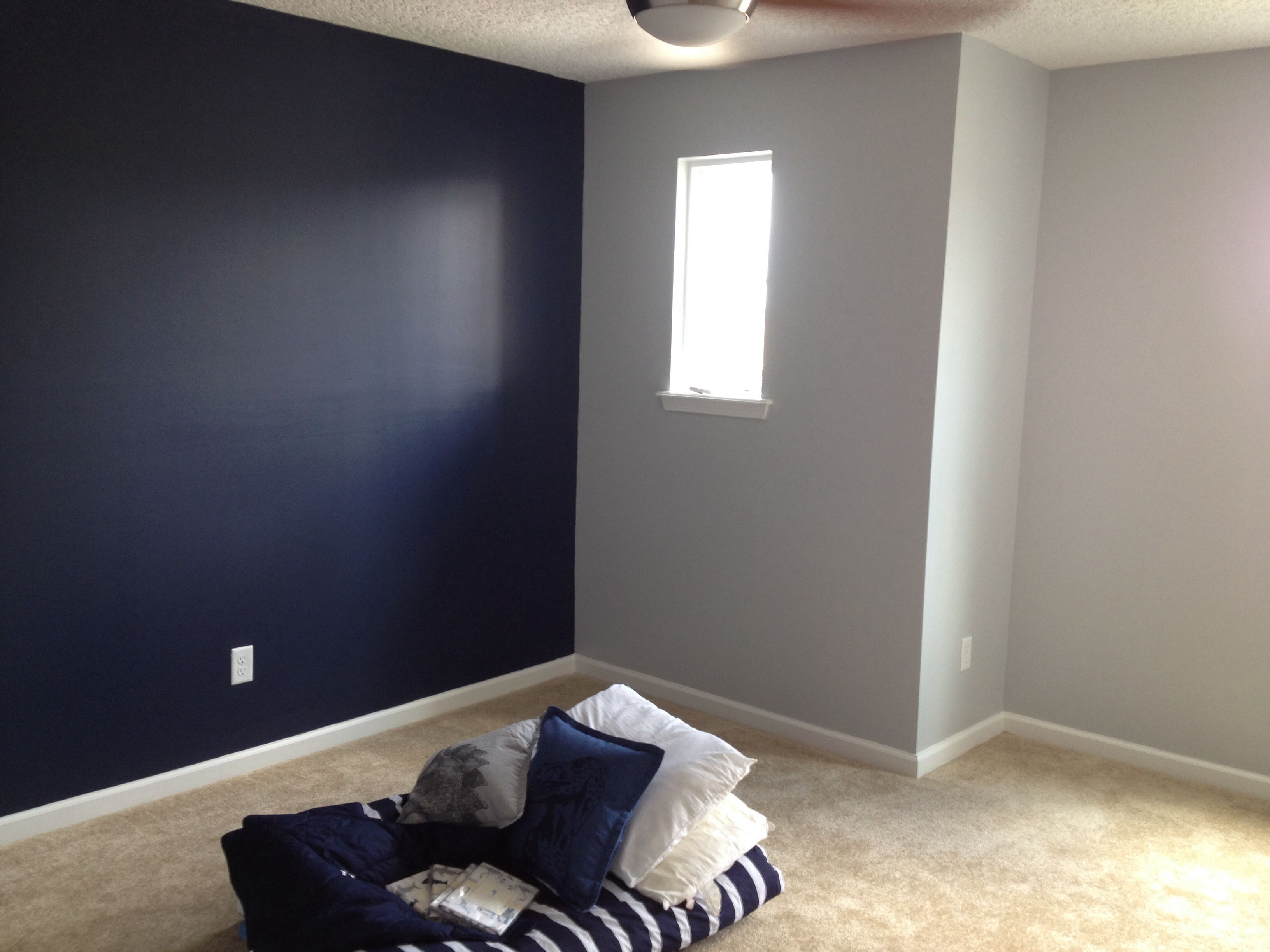 Bedroom Accent Colors Sherwin Williams Naval With Gray Screen On Opposing Wall