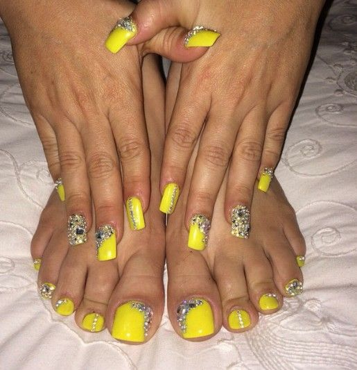 Pin By Yuko Tamae On Nail Yellow Toe Nails Neon Toe Nails Toe