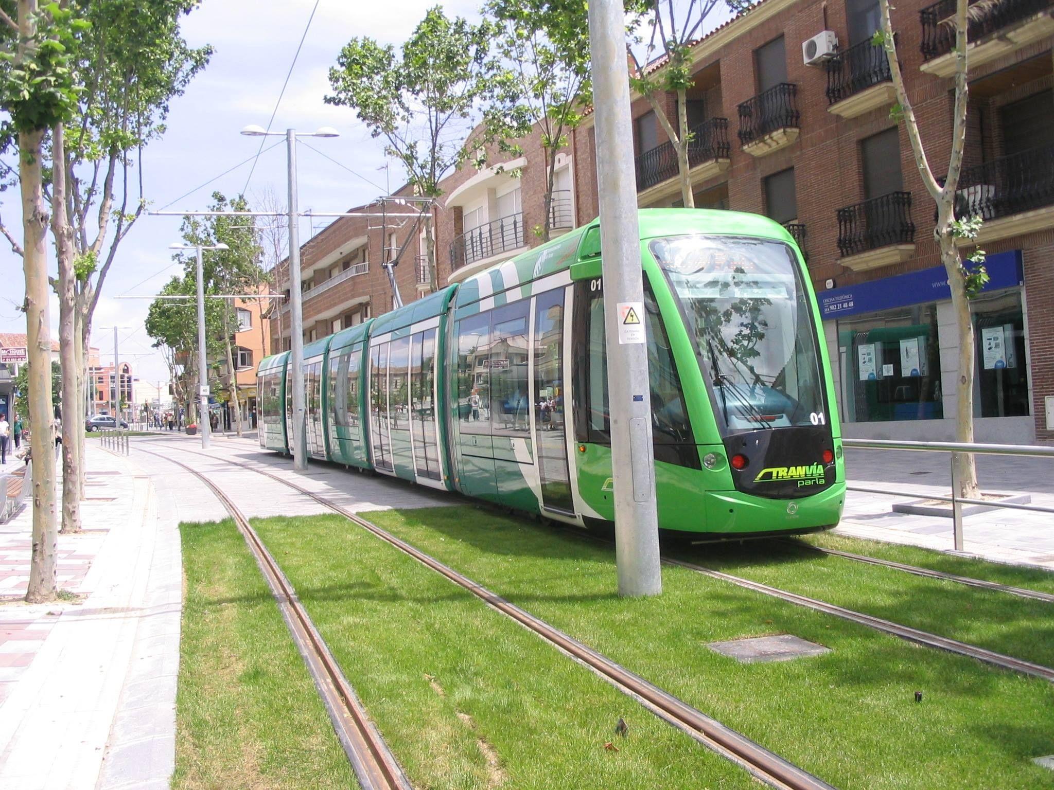 Los Tranvías De Parla Madrid Lugares Del Mundo Tranvias Tren