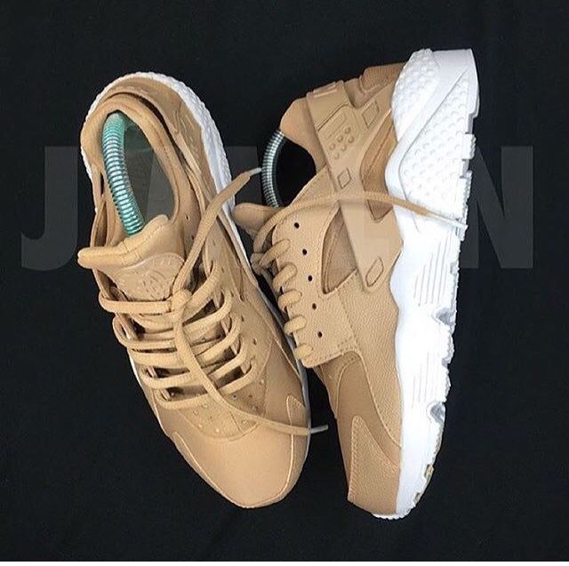 new style 73dfb 13e89 beige and white Nike huaraches. | Sneaker obsessed! | Shoes ...
