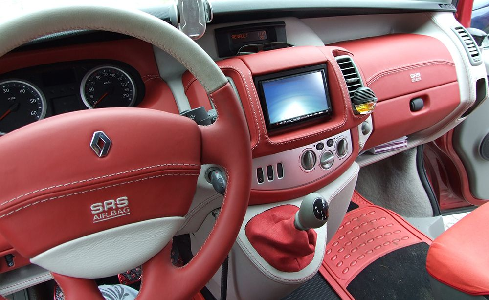 Renault trafic renault trafic pinterest fourgon for Renault trafic interieur
