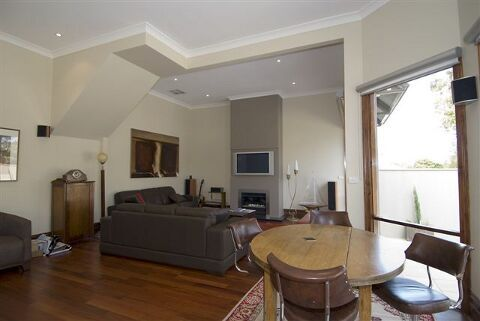 Cameron Construction - Elsternwick  Living Area