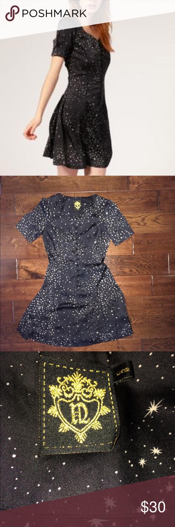 Niche Sweetheart Star Dress Super flattering! 100% Polyester dress. Worn twice. Excellent condition. niche Dresses
