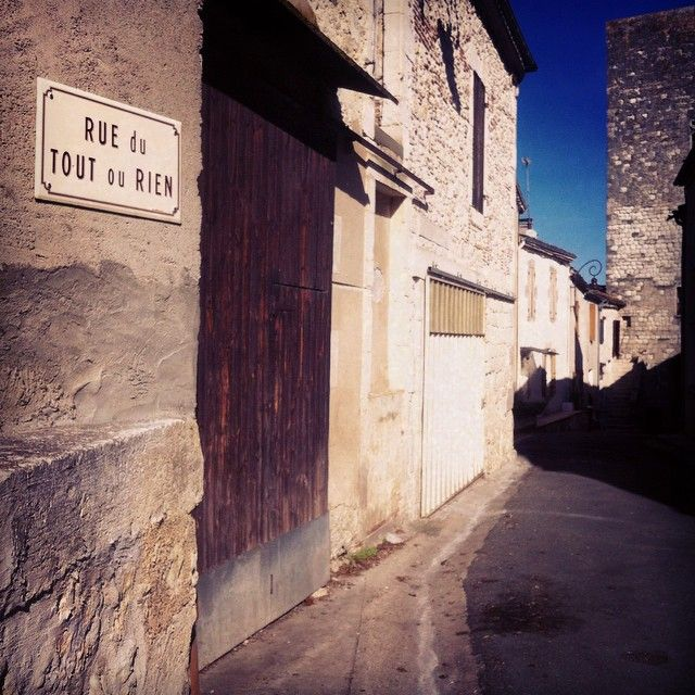 'Rue du Tout ou Rien' - street of all or nothing  #sureal and #wonderful :-)