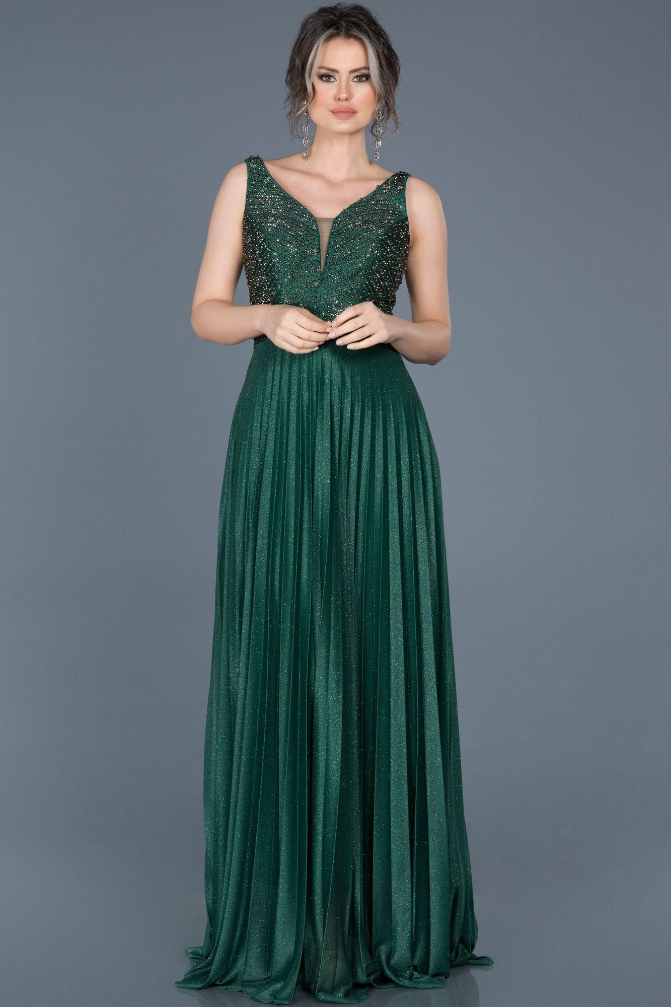 Kbr Yldz Adli Kullanicinin Abiye Panosundaki Pin Aksam Elbiseleri The Dress Uzun Mezuniyet Elbisesi