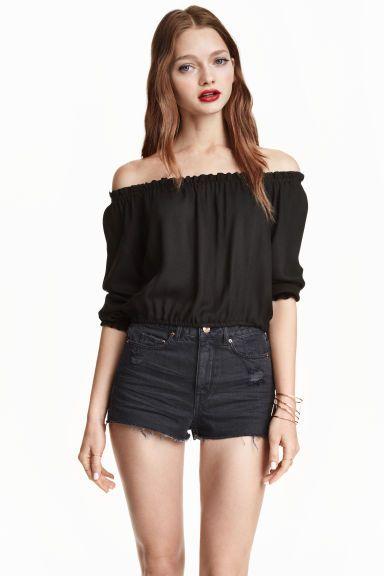 6c4e5b269b8 Short off-the-shoulder blouse in 2019   Crop tops + Off-shoulders ...