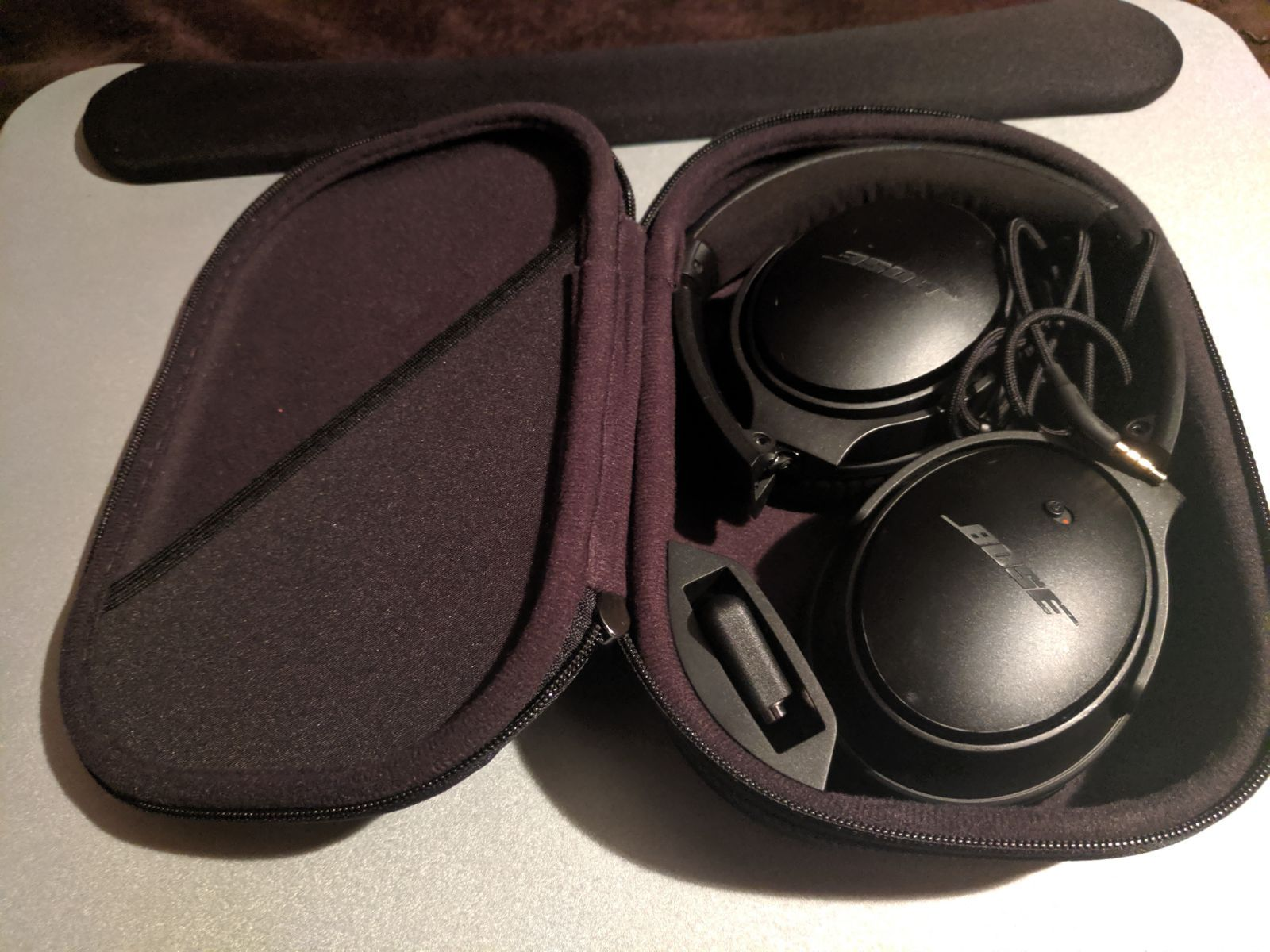 Bose Quietcomfort Qc25 Noise Cancelling Headphones Black For Music And Calls With Apple And Android Black Headphones Noise Cancelling Headphones Headphones