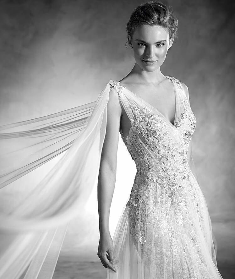 NEPAL - Brautkleid im Meerjungfrau-Stil aus Spitze mit Trägern und V ...