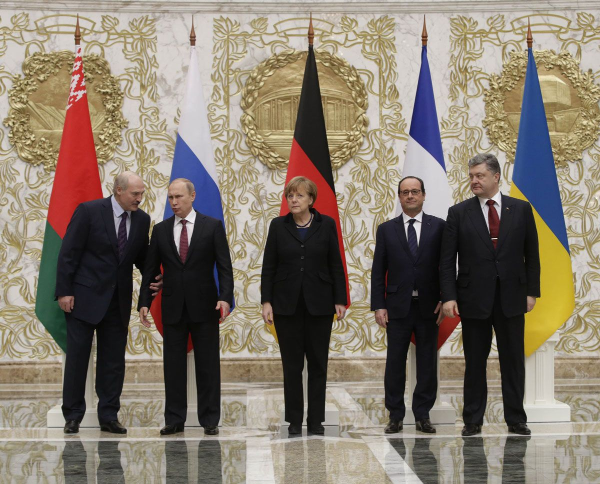 Scepticism as Ukraine and Russia agree ceasefire in Minsk http://thetypewriter.org/scepticism-as-ukraine-and-russia-agree-ceasefire-in-minsk/