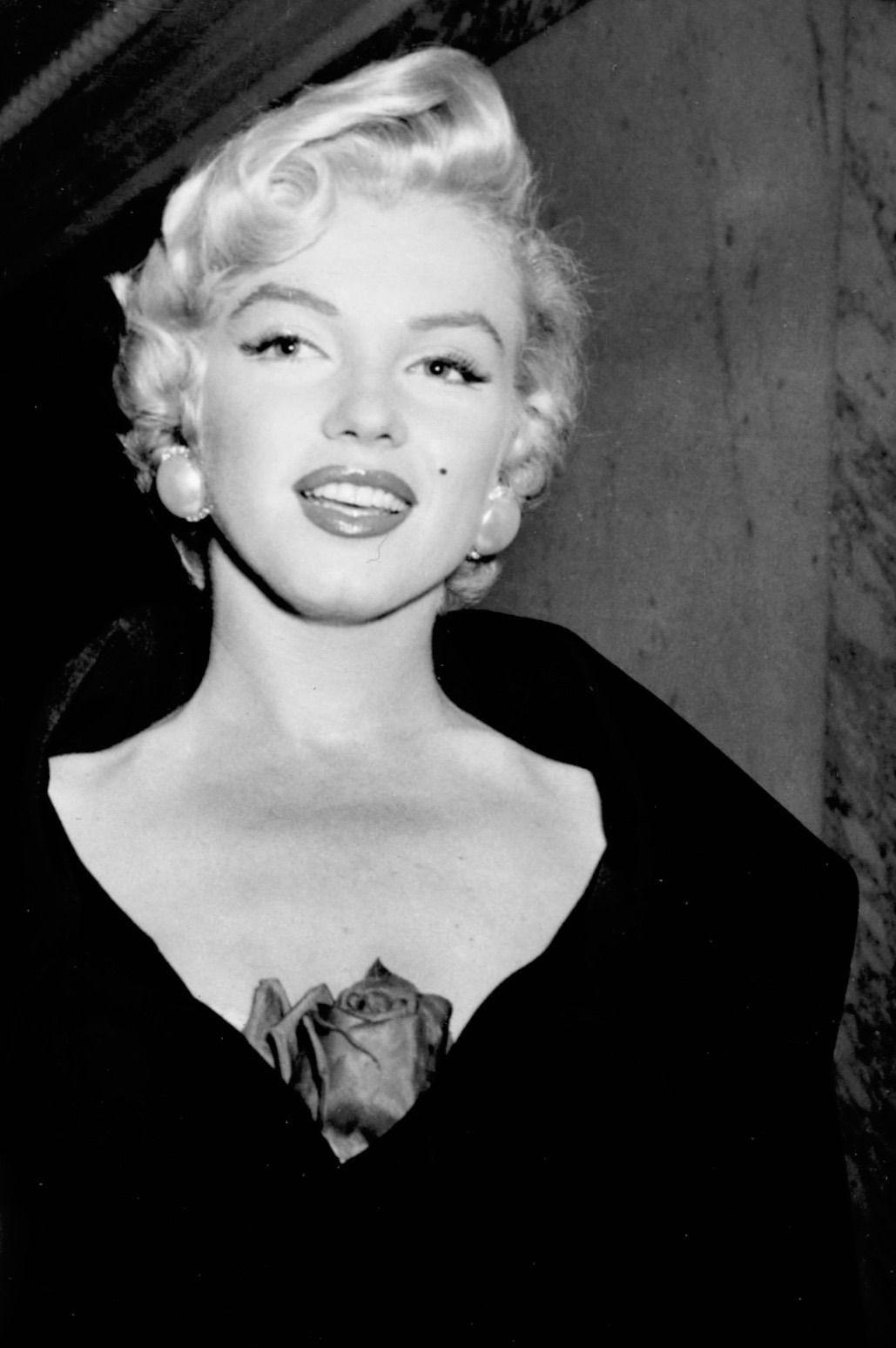 "summers-in-hollywood: ""Marilyn Monroe in New York, September 12 ..."