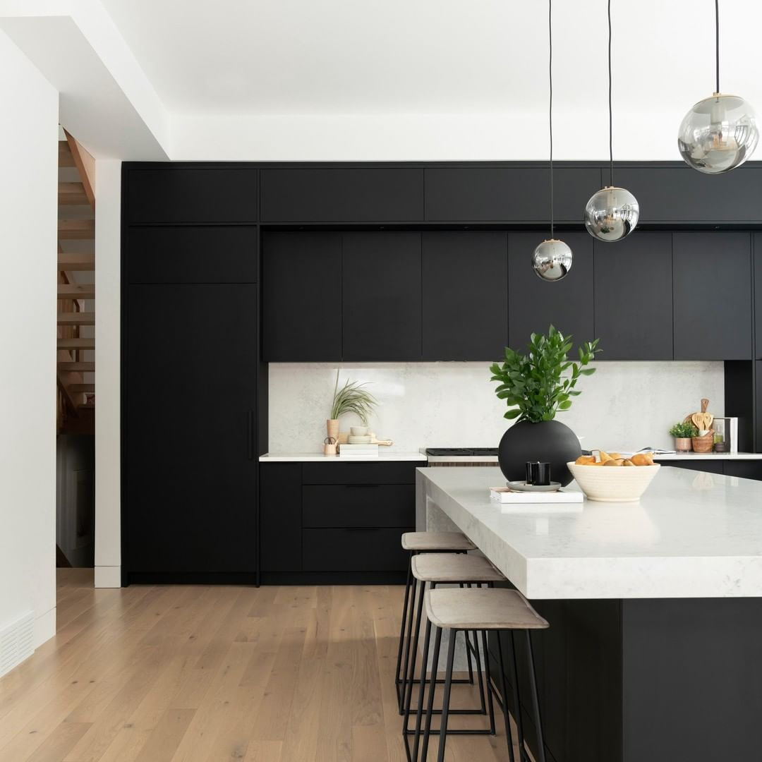 Would You Rather Kitchen Edition Would You Rather Have A Black Accent Kitchen Or A White Ac In 2020 Simple Kitchen Design Modern Black Kitchen Simple Kitchen