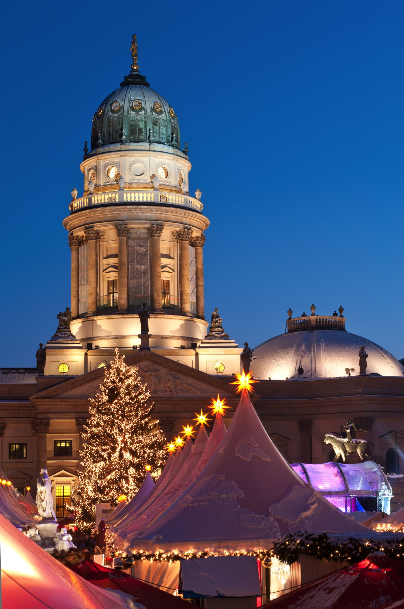12 Best Christmas Markets In Europe To Visit This Year Christmas Markets Europe Dream Travel Destinations Christmas Market