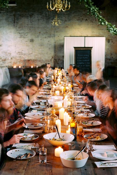 dinner table setting industrial wedding | party/wedding | Pinterest ...