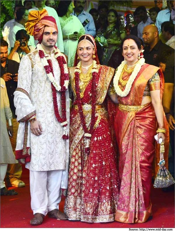 Hemamalini Solemnized Esha S Wedding With Bharat In A Simple Yet Sophisticated Ceremony Wearing Rich Indian Weddingsaree Kanchipuramsaree