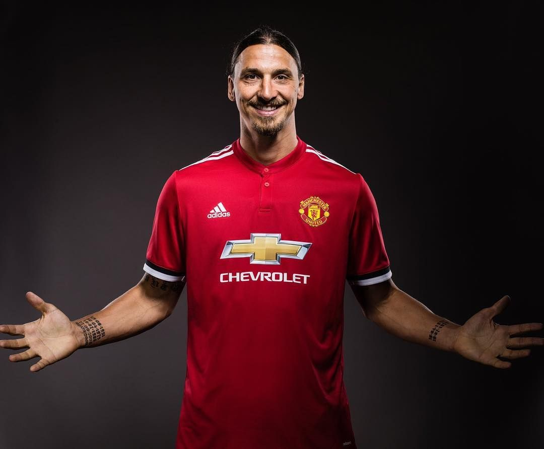 Done Deal Iamzlatanibrahimovic Signed A New Manchesterunited Contract Whatsapp 433 31 6 11 49 03 Zlatan Ibrahimovic Manchester United Man United