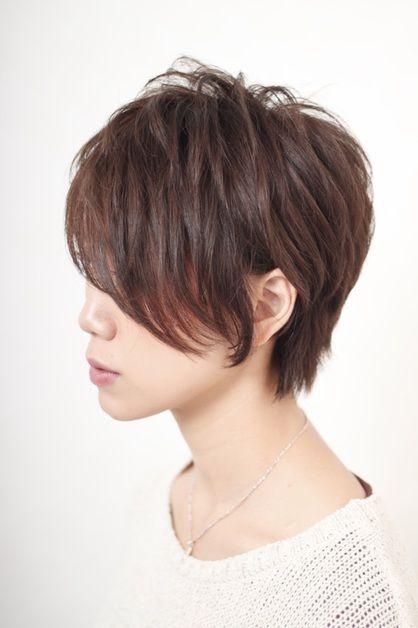 ナチュラルプチアシメショート Bibi のヘアスタイル ヘアスタイル アシメ 髪型 ショートカット アシメ