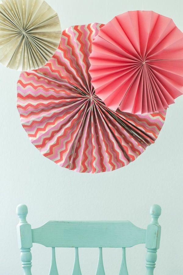 1001 bastelideen aus papier blumen girlanden und t rkr nze basteln mit kindern pinterest. Black Bedroom Furniture Sets. Home Design Ideas