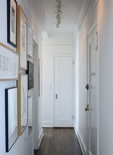 5 trucos infalibles para pasillos estrechos y oscuros - Decoracion paredes pasillos ...