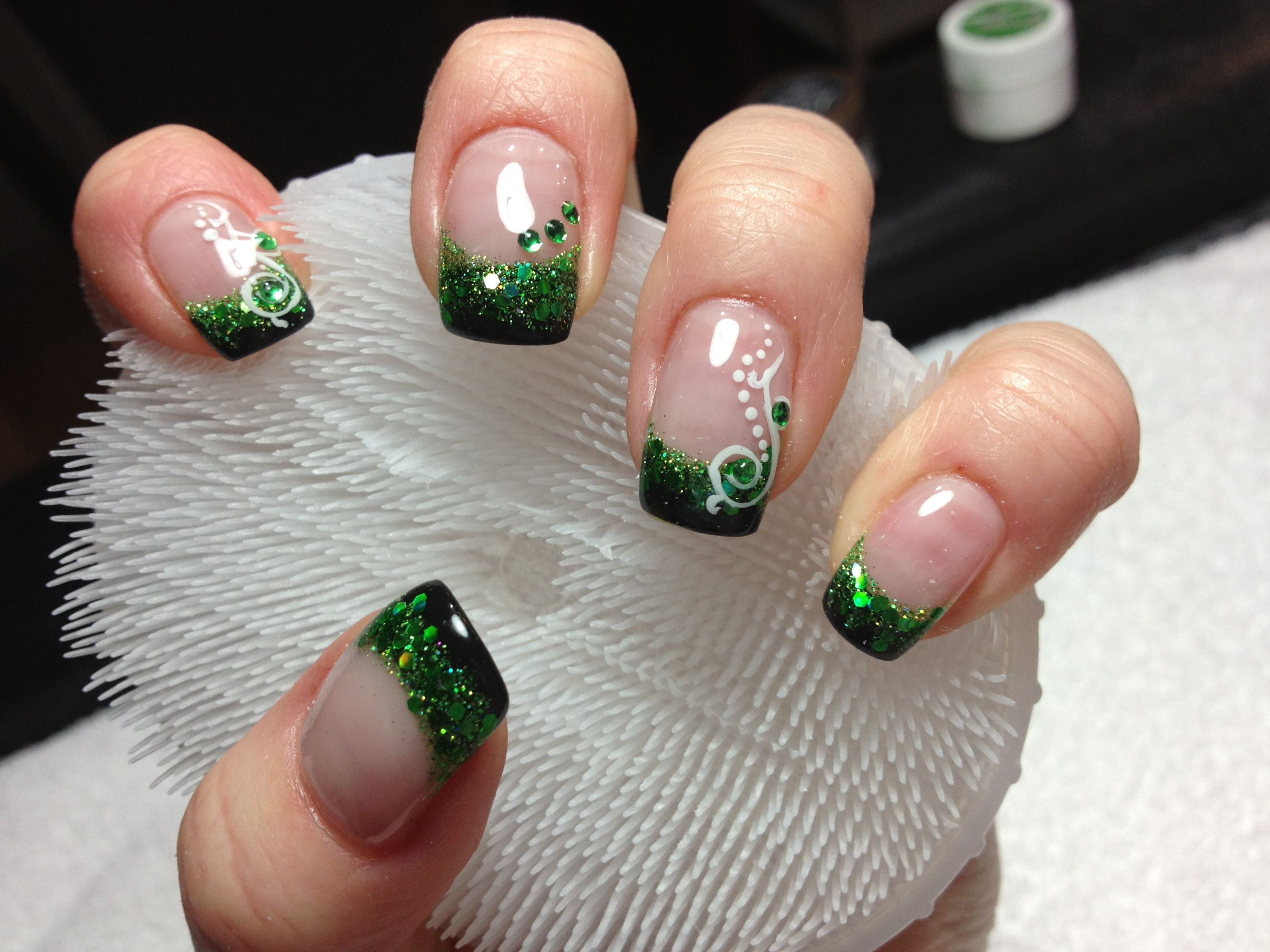 Black Green Glitter Gel And Green Dots With White Polish Hand Painted Designs Trends Beauty Summer Work Nails Pretty Nails Nail Designs