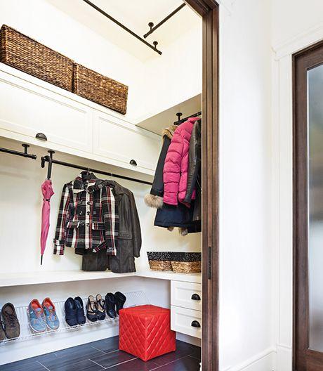 astuces hall d 39 entr e tringles de garde robe extensible panier de rangement en nylon. Black Bedroom Furniture Sets. Home Design Ideas