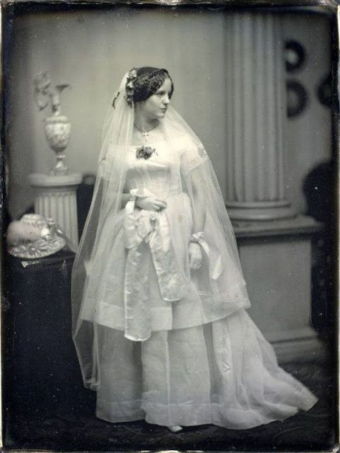 1850s bride, Victorian Wedding Fashion