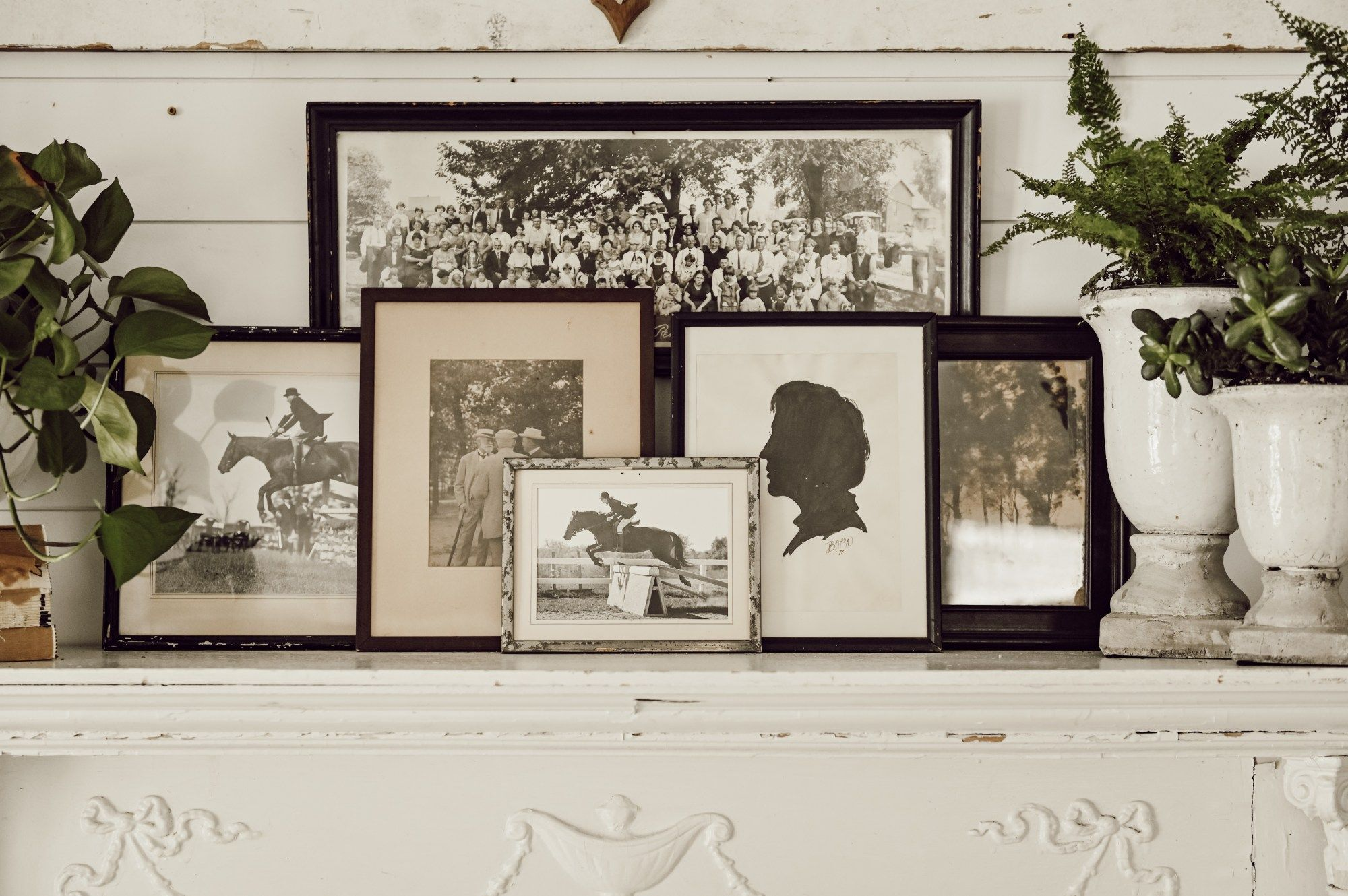 Mantel Styling With Eclectic Antique Frames Antique Frames Eclectic Frames Frame
