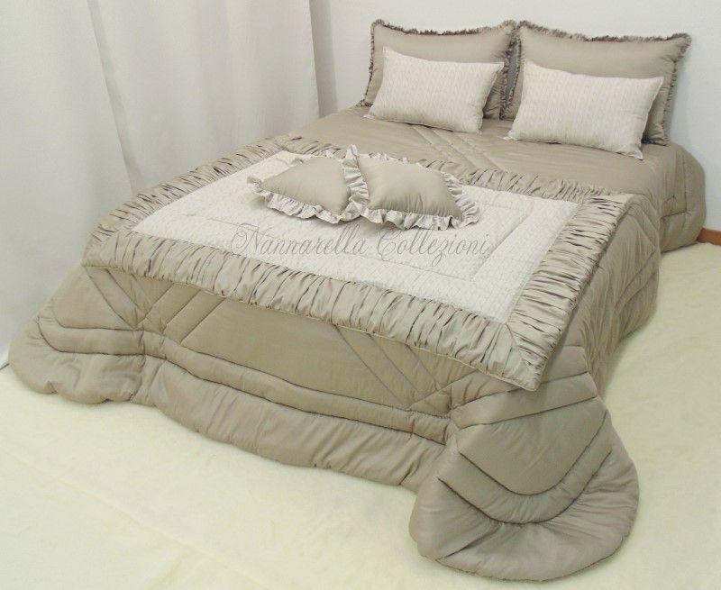 Completo per camera da letto composto da 8 pezzi (Trapunta + 2 ...