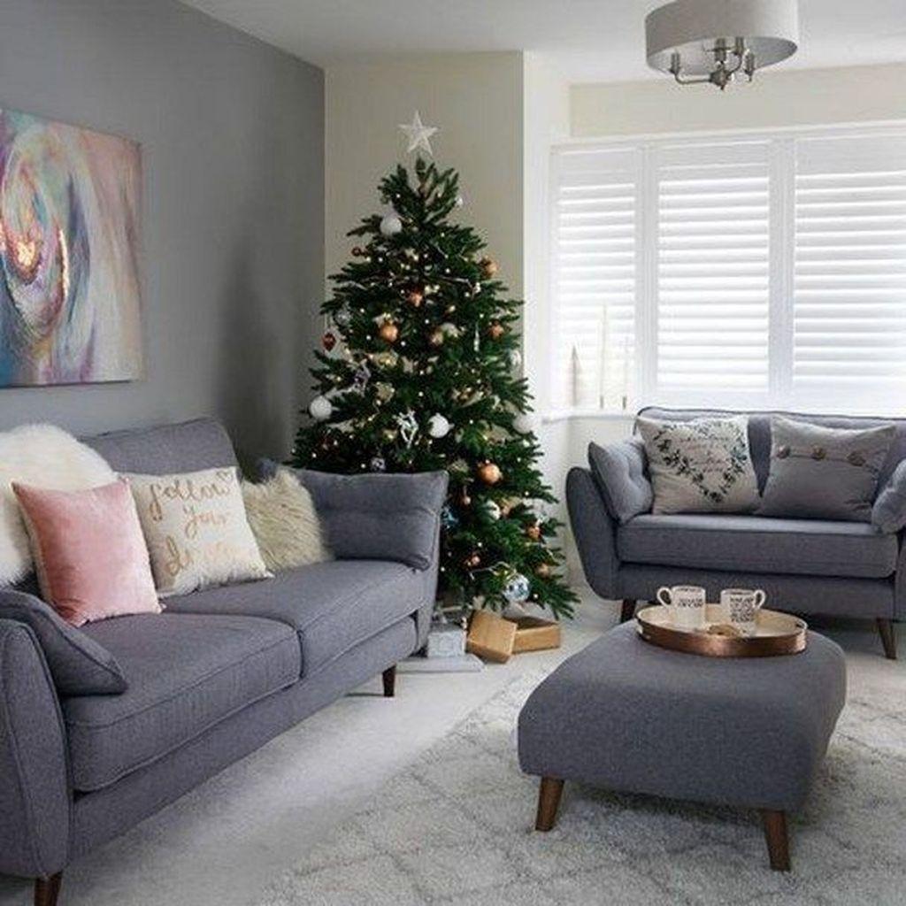 32 Stunning Winter Theme Living Room Decor Ideas You Should Copy Now Cozy Christmas Living Room Winter Living Room Decor Winter Living Room