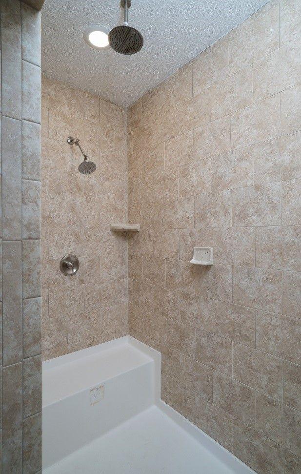 Design Of The Doorless Walk In Shower With Images Doorless