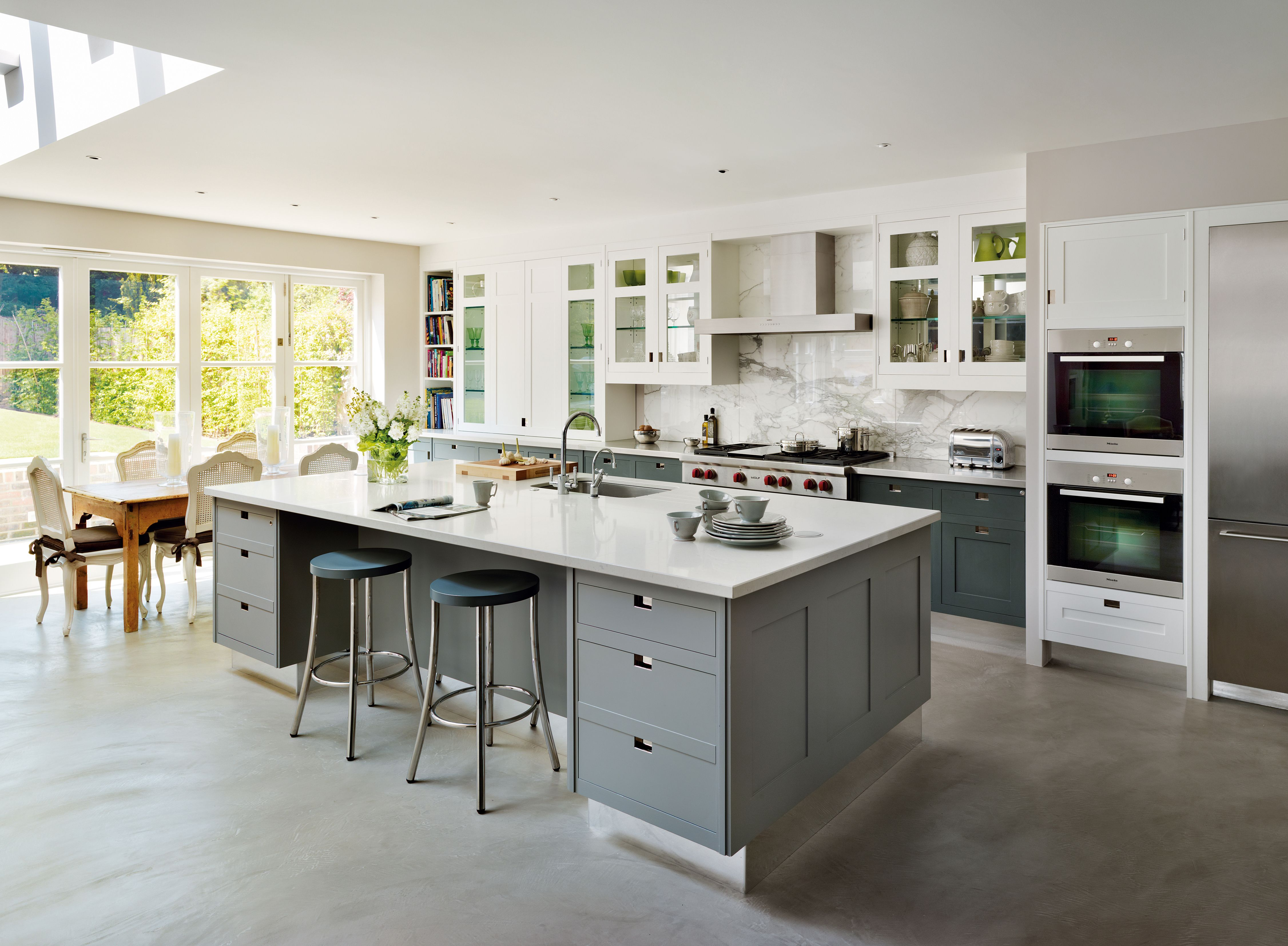 luxury furniture company, Smallbone is the leading name in kitchens ...