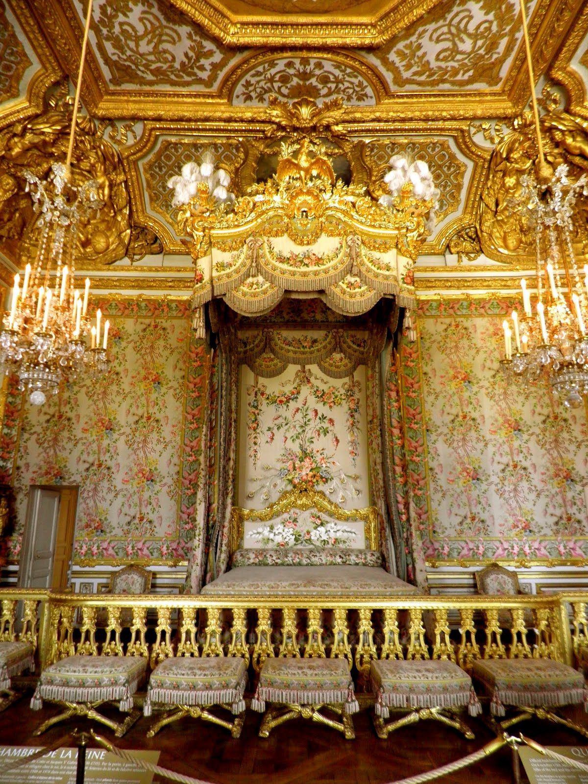 The Queen S Bed Marie Antoinette Palace Of Versailles France