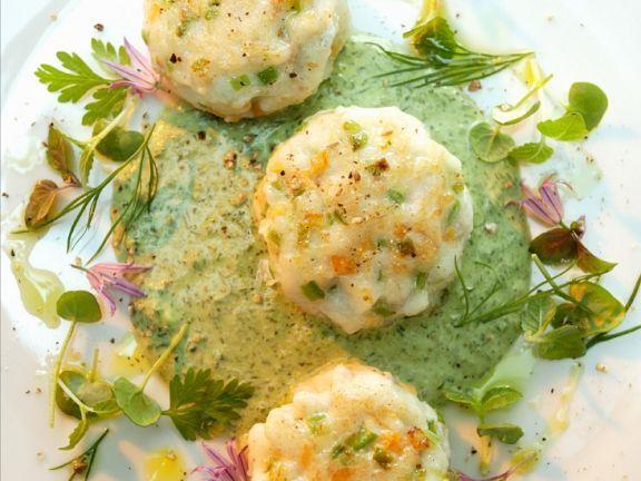 Fischbratlinge mit Kräutercreme ist ein Rezept mit frischen Zutaten aus der Kategorie Klassische Sauce. Probieren Sie dieses und weitere Rezepte von EAT SMARTER!