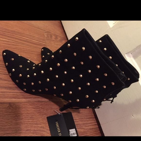 Gold Studded Heel Boots! Never worn! Forever 21 Shoes Heeled Boots