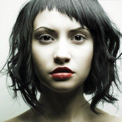 Coupe de cheveux frange courte