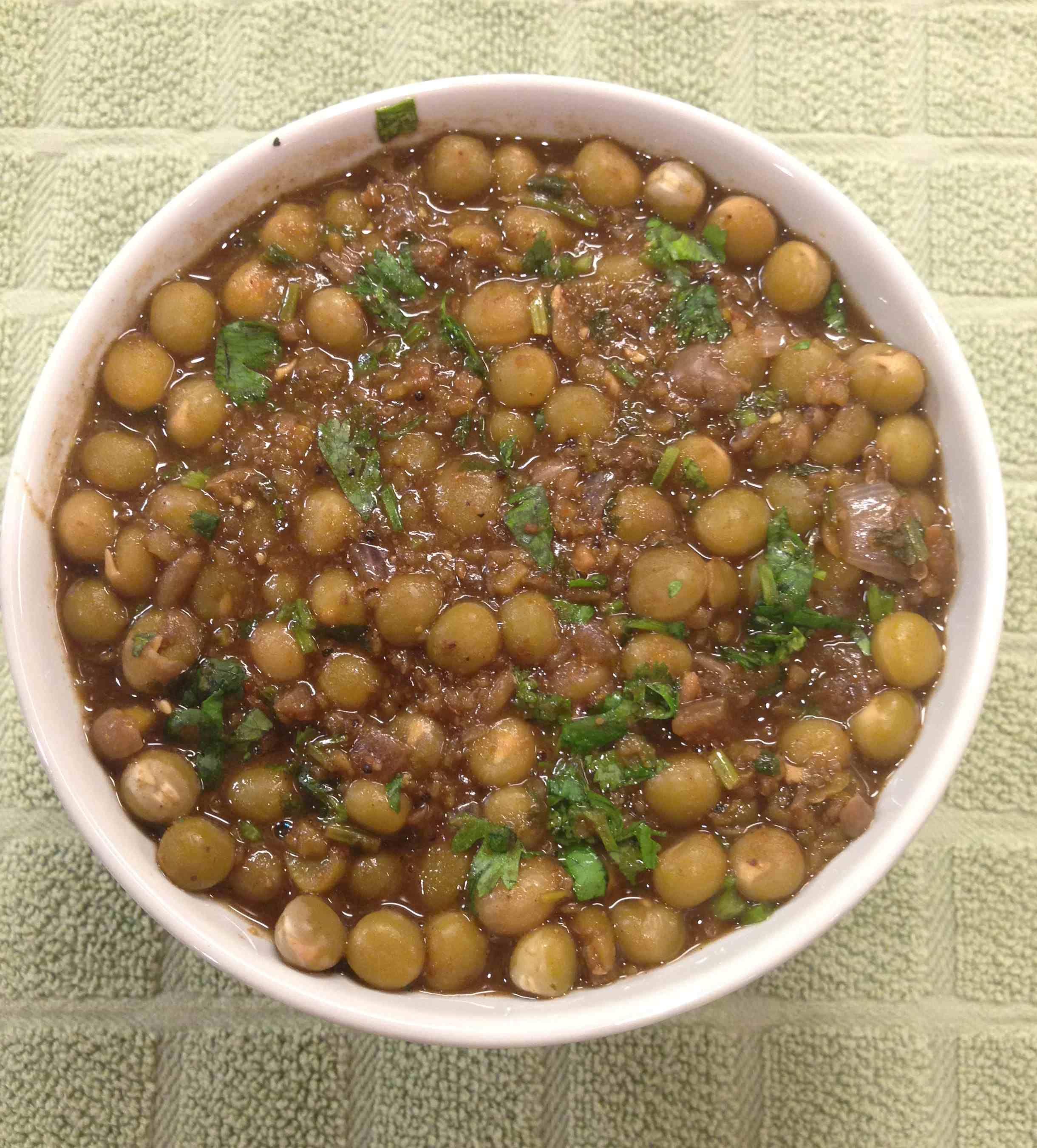 Malvani Vatana Masala (Dried Green Peas Curry) The