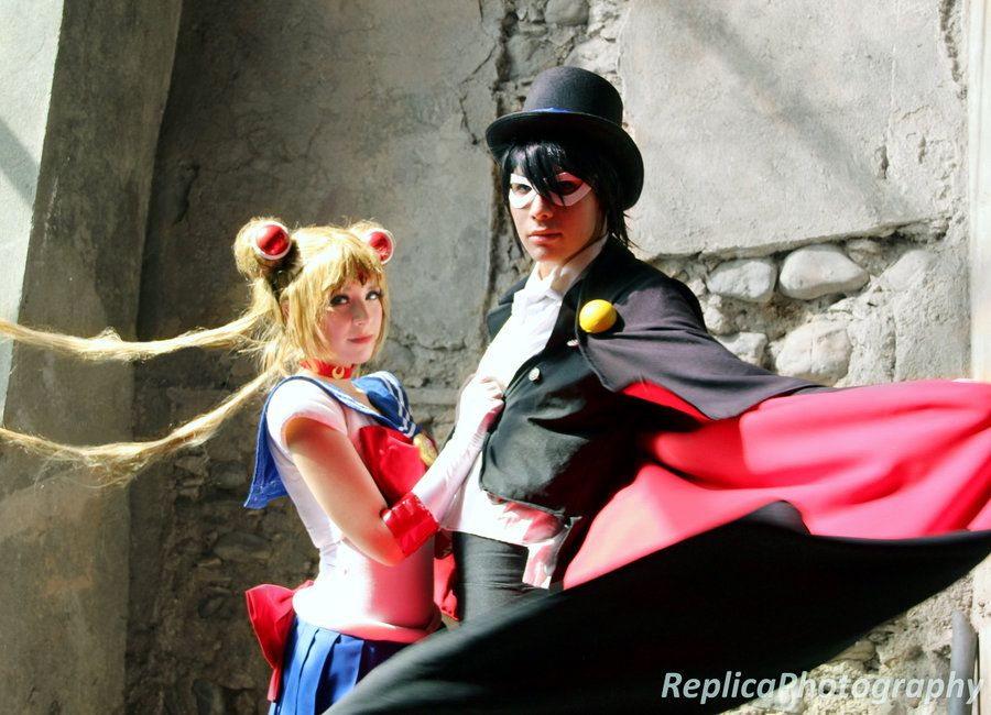 Sailor Moon and Tuxedo Mask: Been a fan since I was little, cool to see it cosplayed :D