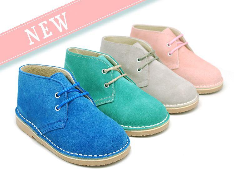 2a0db98ef Tienda online de calzado infantil Okaaspain. Calidad al mejor precio  fabricado en España. Bota safari pisakk en serraje. www.okaaspain.com