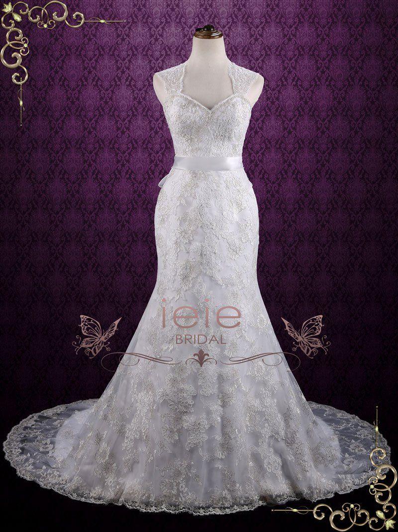 Vintage style mermaid lace wedding dress with keyhole back
