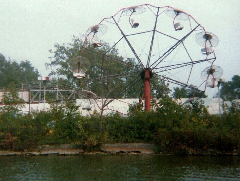 Old Amusement Park Indian Lake Ohio Indian Lake Abandoned Theme Parks Abandoned Ohio