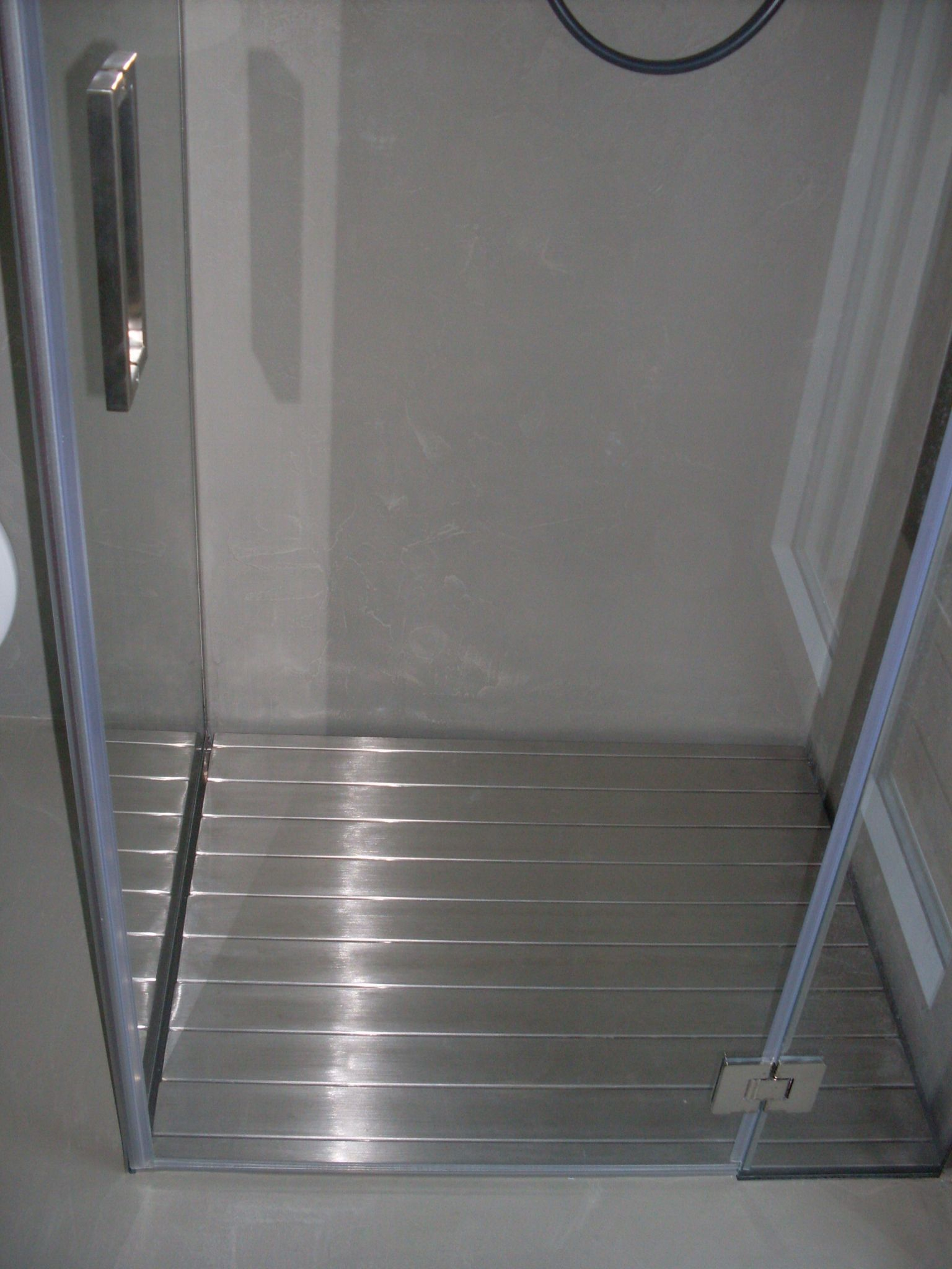 Pedana doccia Matilde in Acciaio Inox resistente di facile