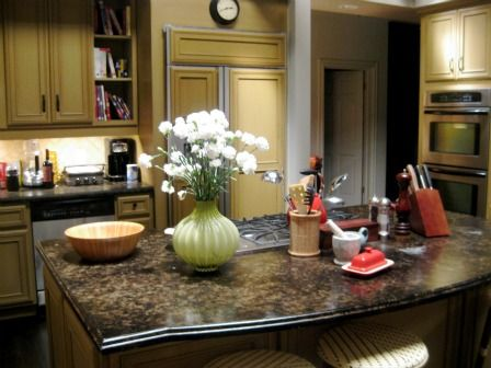 Best Get The Kitchen Modern Family's Phil And Clair Dunphy 400 x 300