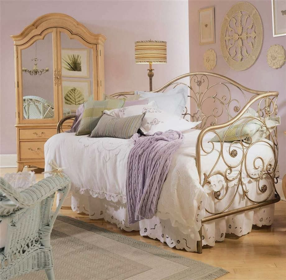 . Bedroom Glamor Ideas  Vintage retro style Bedroom Glamor Ideas