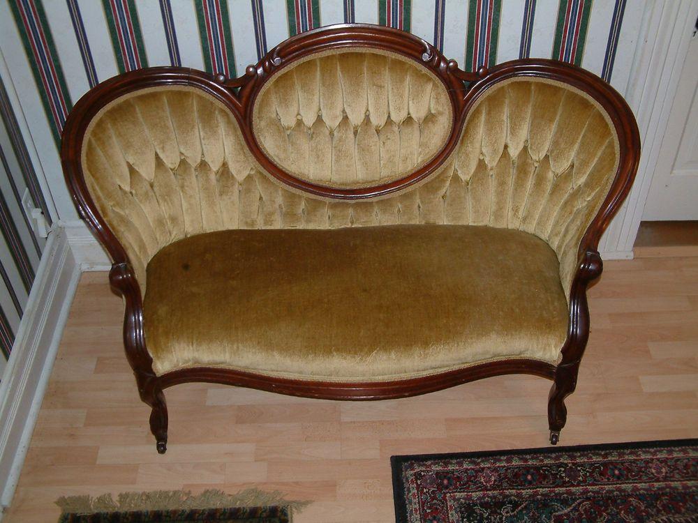 Antique Walnut Victorian Loveseat Settee | Antiguos, Muebles ...