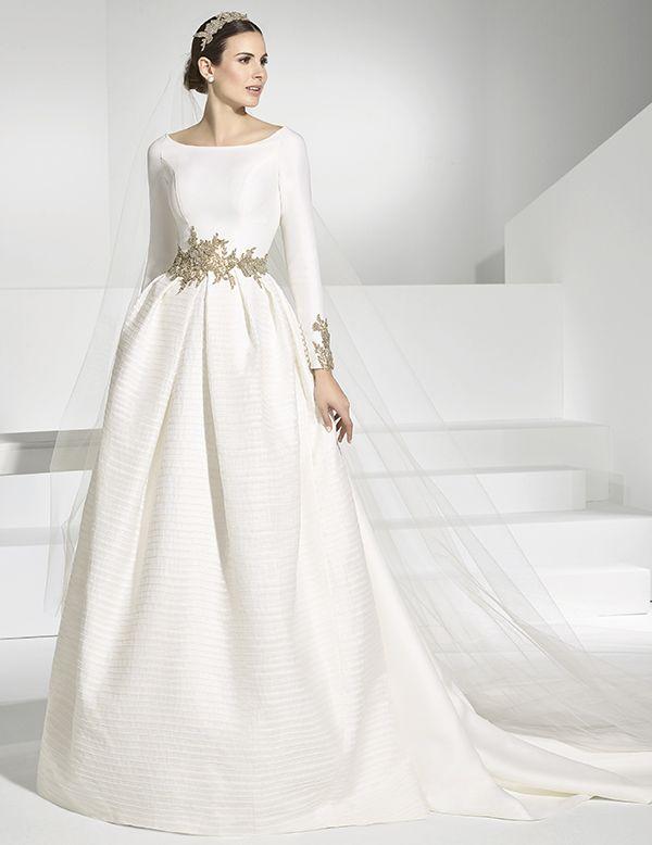 Vestidos de novia con cuerpo y cola postiza en falla. | vestidos ...