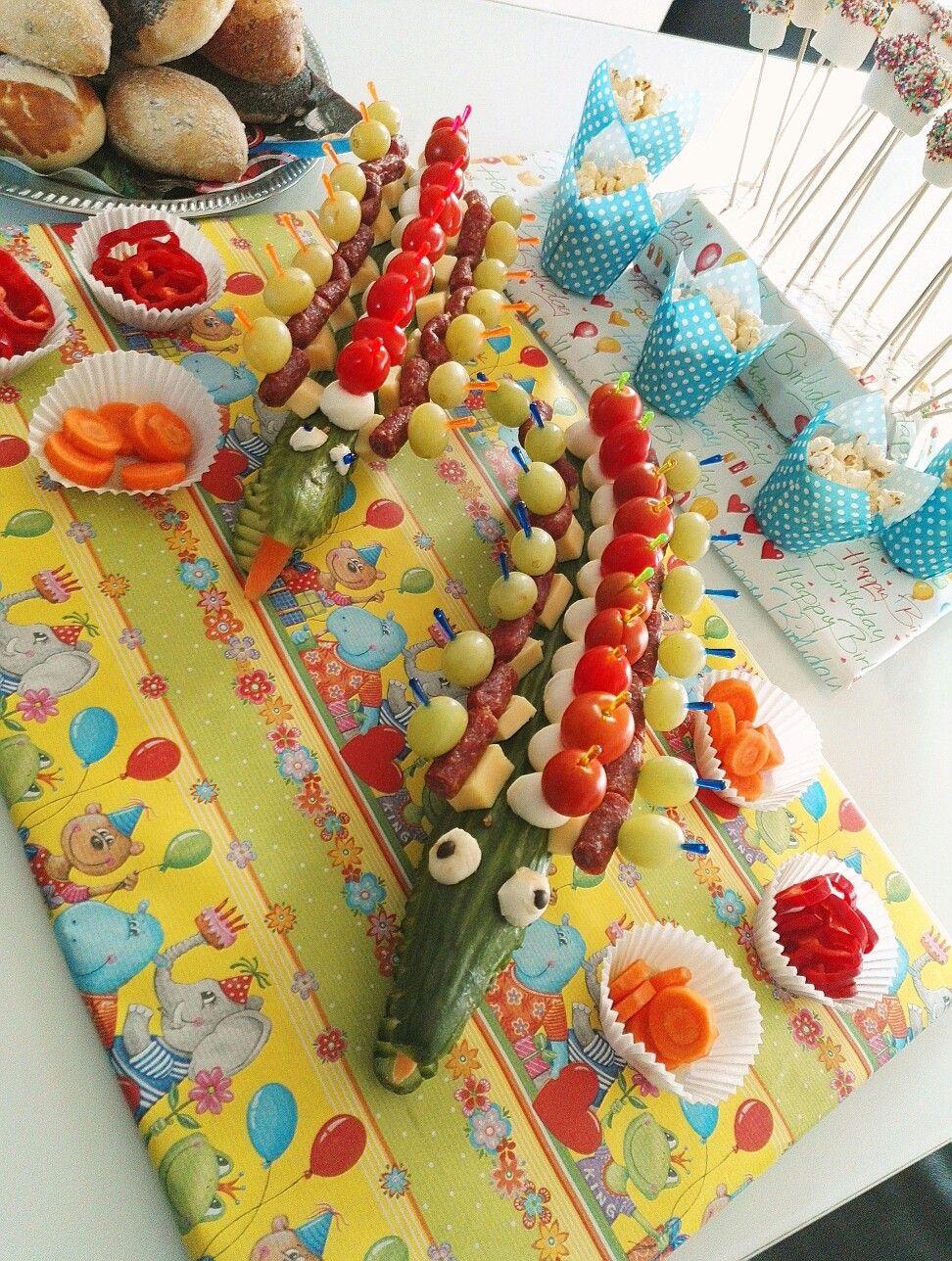 kindergarten jause f r den kindergeburtstag krokodil eigene pinterest kindergarten and snacks. Black Bedroom Furniture Sets. Home Design Ideas