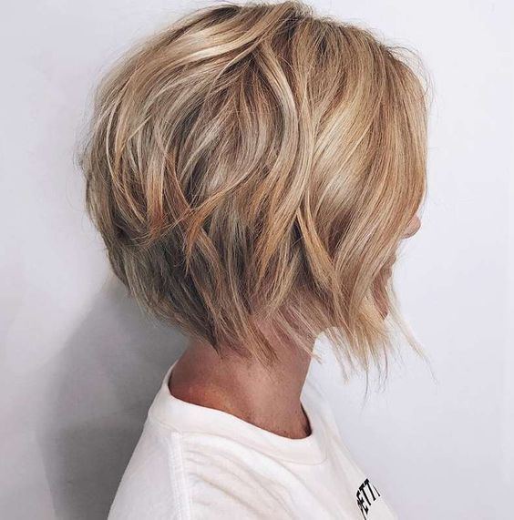 Neueste Kurze Bob Haircut – Frauen Frisur für kurzes Haar #shortlayeredhairstyles