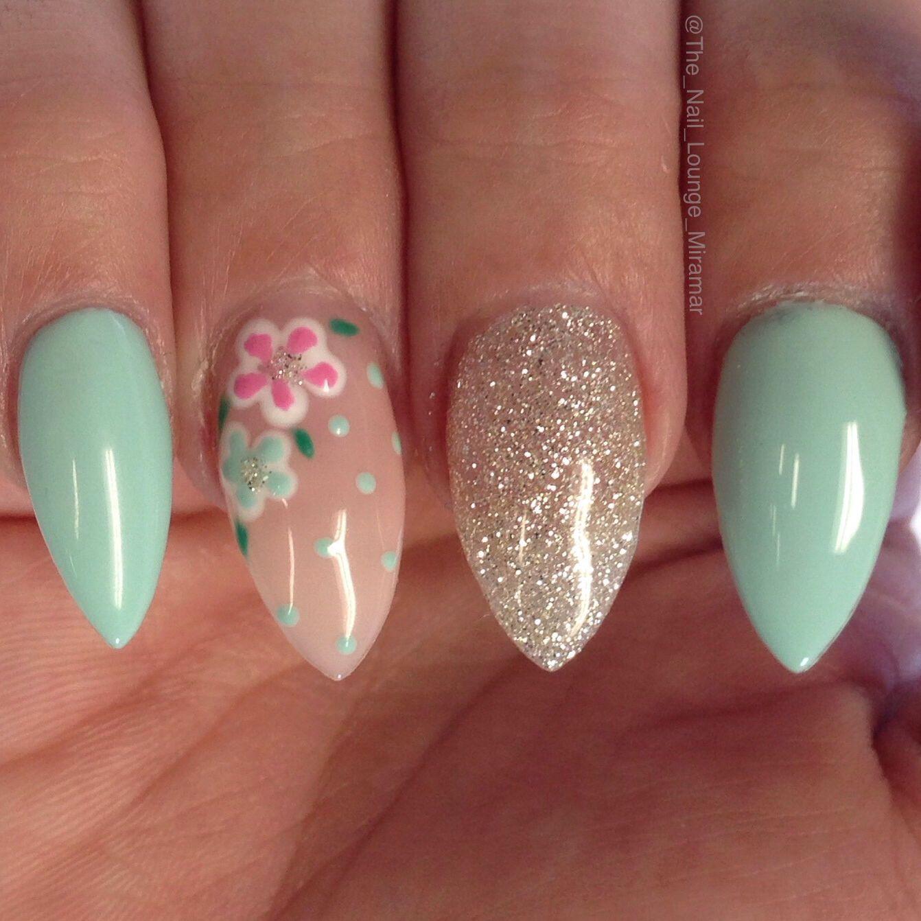 Stiletto flower nail art design | Nail Art | Pinterest | Flower nail ...